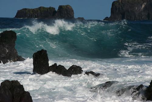 blue aqua maui roadtohana lavarocks karenmcquilkin cookislandsfrommauicoast oceanwavepacific