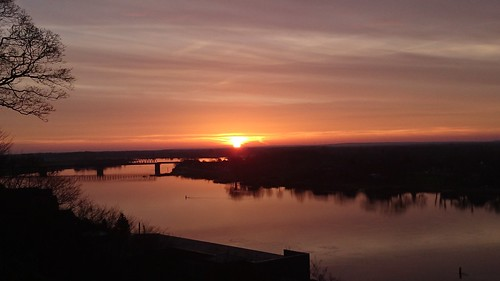elbezufluss flusselbe natur morgenröte morgenrot sonnenaufgang sonnenuntergang hamburg schleswigholstein hotelbellevue sunrise elbe lauenburg