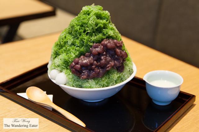 Matcha kakigori (かき氷) topped with mochi and tsubuan