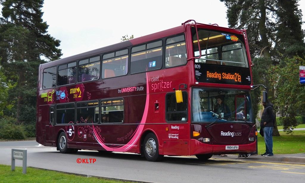 809 Reading Buses 'Claret Spritzer'   809 (YN54AFA) is seen …   Flickr