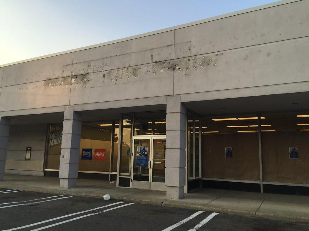 Former Sears Auto Center, Colonie Center, Albany NY | Flickr