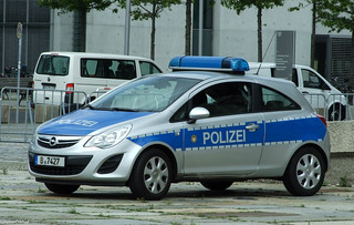 Opel Corsa Polizei | by peterolthof