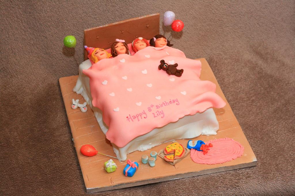 Phenomenal Sleepover Party Cake Eldriva Flickr Funny Birthday Cards Online Inifodamsfinfo