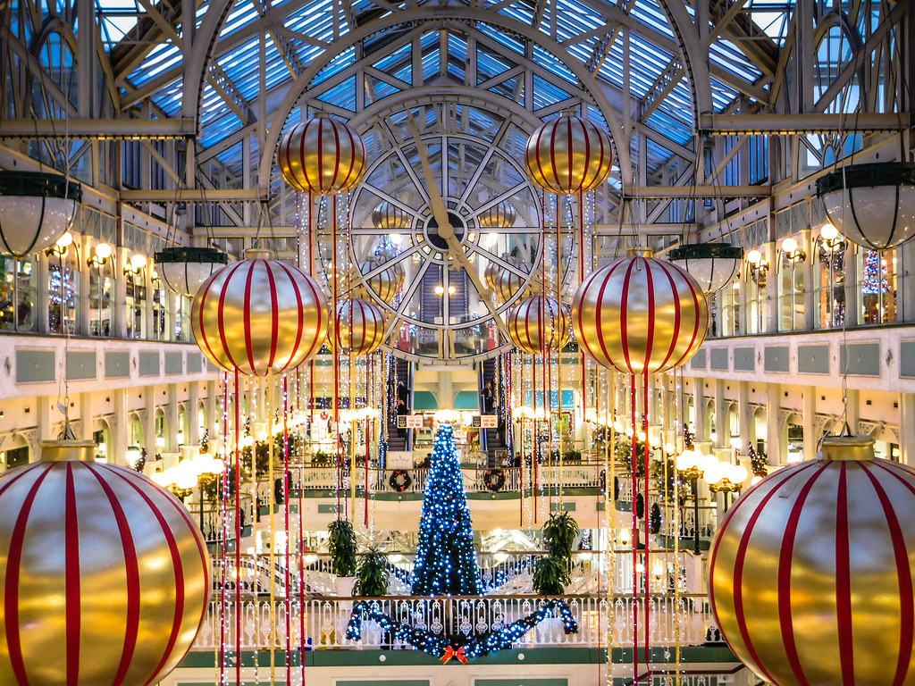 Christmas In Dublin Ireland.Christmas Holiday Decorations At Stephen S Green Shopping