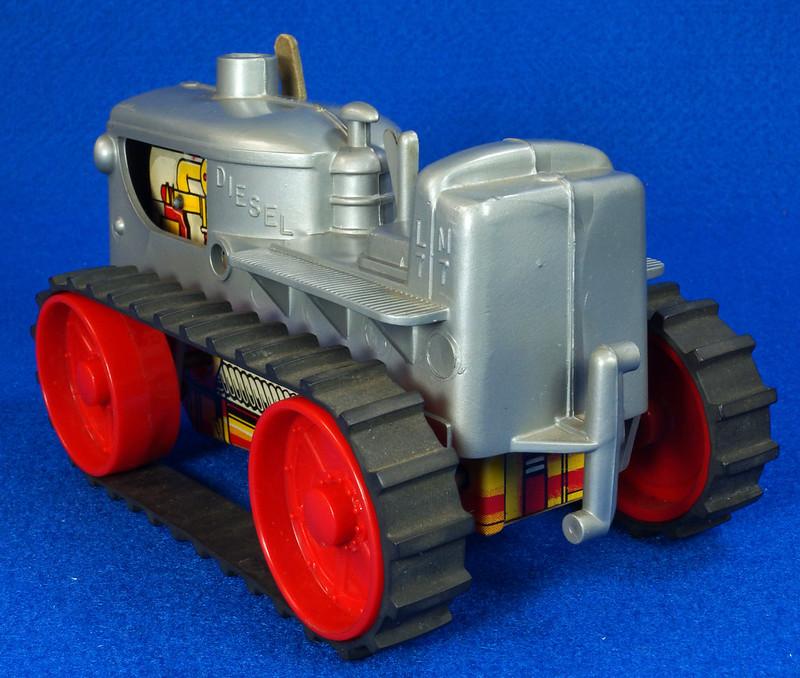 RD9481 Vintage Marx Toy Diesel Tractor Wind Up DSC06246