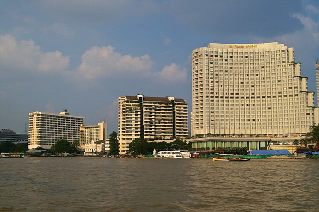 Shangri-La Hotel in the evening sun seen from the Chao Phraya river in Bangkok, Thailand