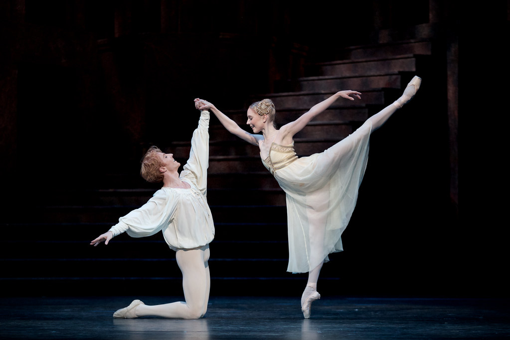 Steven McRae as Romeo and Sarah Lamb as Juliet in Romeo and Juliet © ROH 2015. Photograph by Alice Pennefather