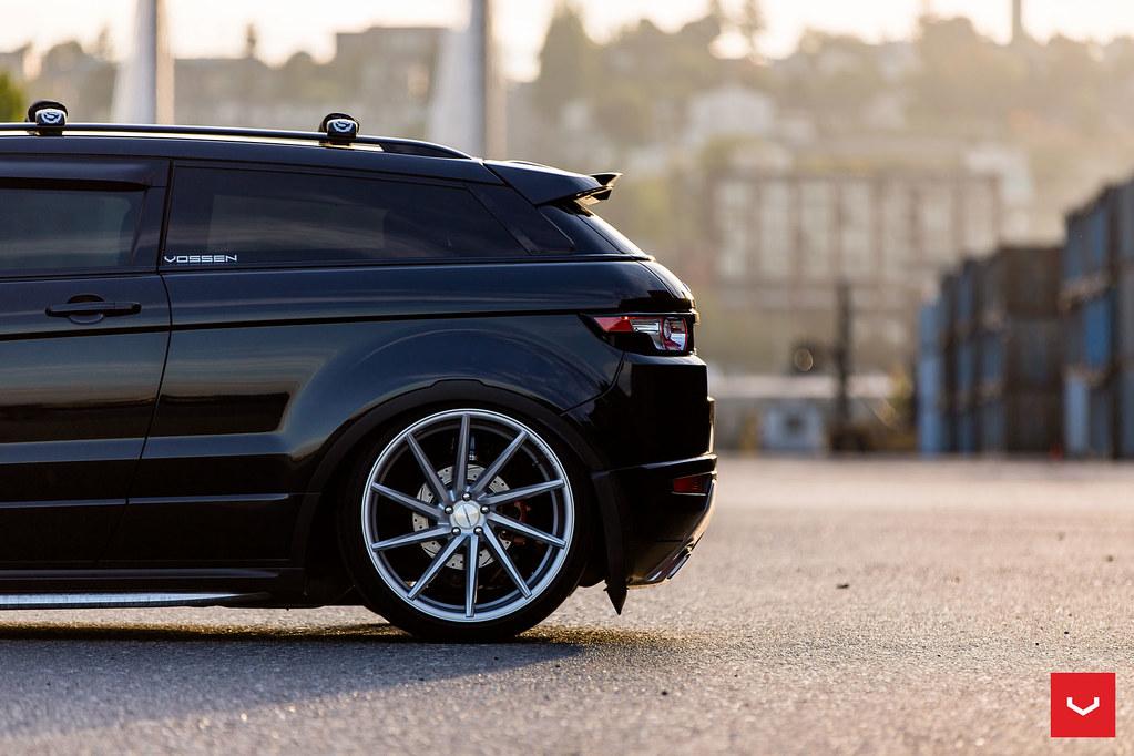 Range Rover Evoque on Air Suspension - Vossen CVT Wheels