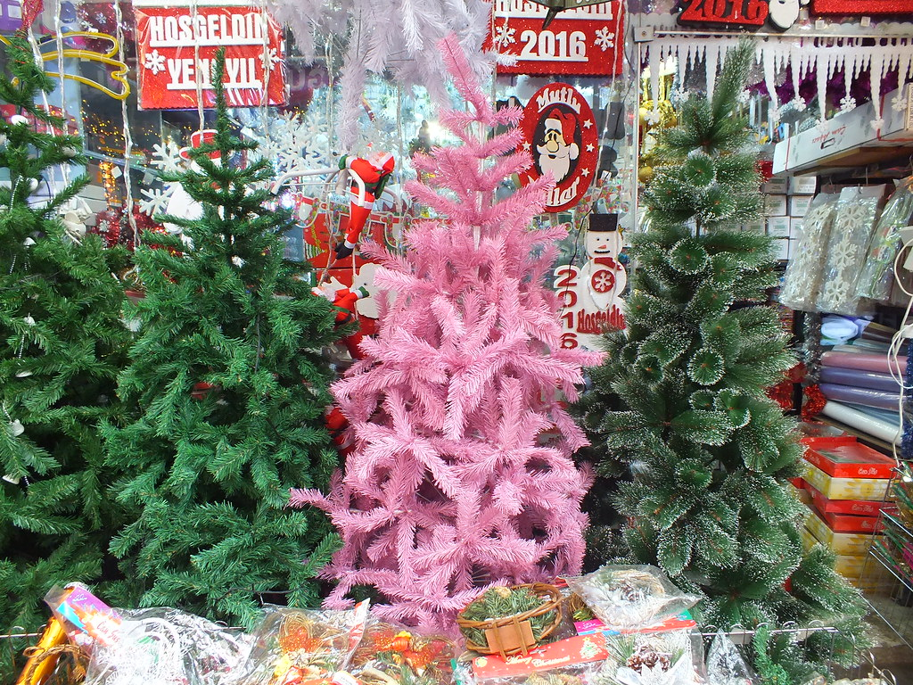PANTONE Color of the Year 2016 by Christmas tree