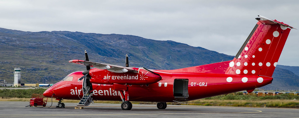 Air Greenland Dash 8
