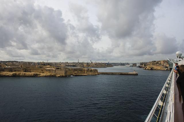 Einfahrt in den Hafen von Malta mit der AIDAmar