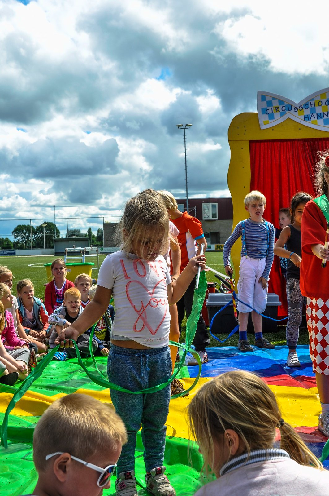 Cirque du Zomerfeest en bingo -75