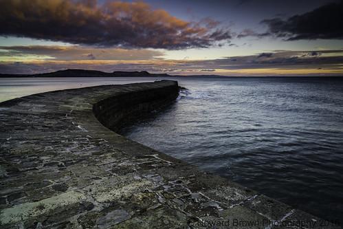 sunset seascape harbor seaside seascapes harbour jetty dorset cobb lymeregis goldenhour thecobb goldensky southengland southwestengland westdorset