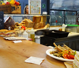 Lunch counter, Mercato Centrale   by Nathan Mizrachi