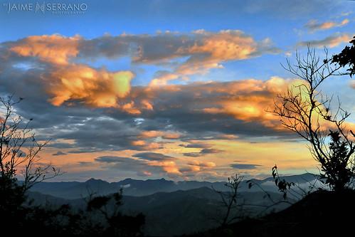color atardecer ecuador tramonto nubes vista ocaso sanroque piñas mirmir lozumbe ecuadoramalavida noctilucente lacabañadelcafé altopuyango jaimeserranoart