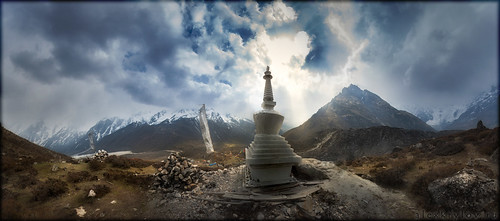 nepal sunset panorama sun mountain nature landscape scenery pano canondslr canoneos панорама закат langtang природа солнце пейзаж гора 50d непал canoneos50d панорамнаяфотография akryphotoart лангтанг