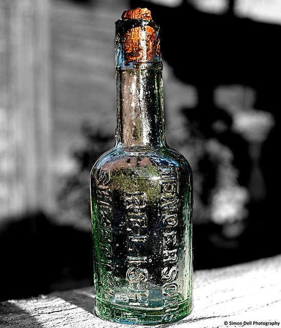 hendersons relish 1900's bottle
