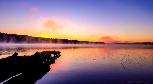 morning mist reflection fog photography sunrisesunsetscenicnaturelakeoutdoorstravelexploreweathercolorfulbeautiful