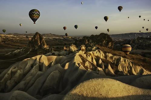 travel vacation mountain texture colors sunrise turkey fly baloon flight valley baloons cappadocia anatolia goreme hotairbaloons d7100