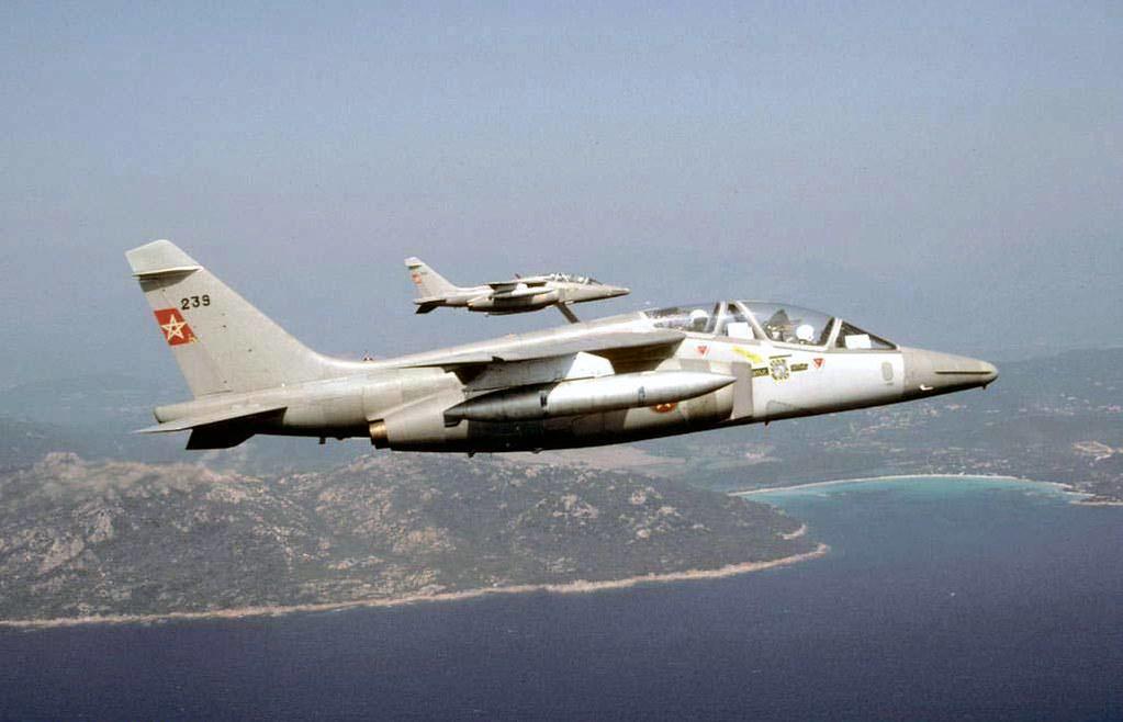 FRA: Photos avions d'entrainement et anti insurrection - Page 9 30534737953_4a8eb29006_b