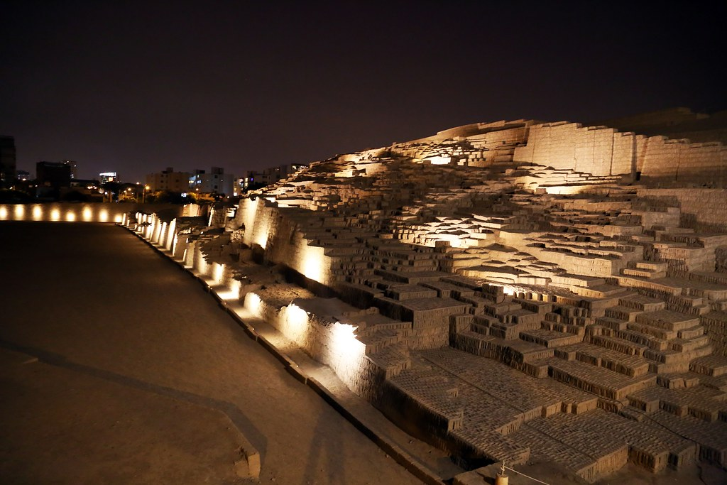 Image result for huaca pucllana at night