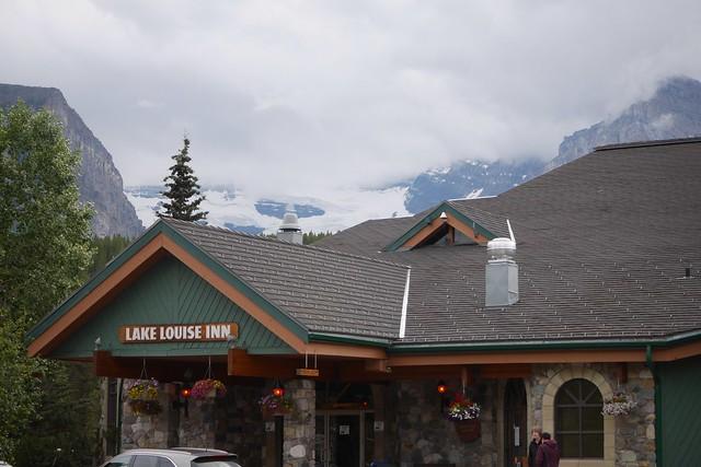 木, 2015-07-23 19:36 - Lake Louise Inn