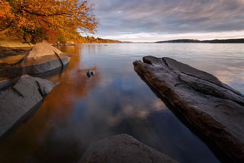 autumn newyork water rock sunrise river hudsonriver ulstercounty scenichudson esopusny blackcreekpreserve