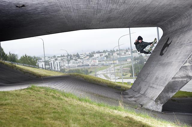 Kristjan Rowell / fs boneless