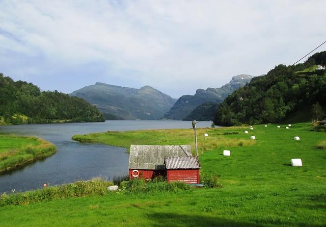Gjona Lake, Norway 2