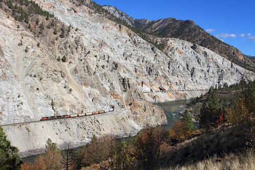 railroad cn train bc britishcolumbia morris canadiannational thompsonriver emd lasha whitecanyon sd70m2 canpotex potashtrain unittrain thompsonrivercanyon