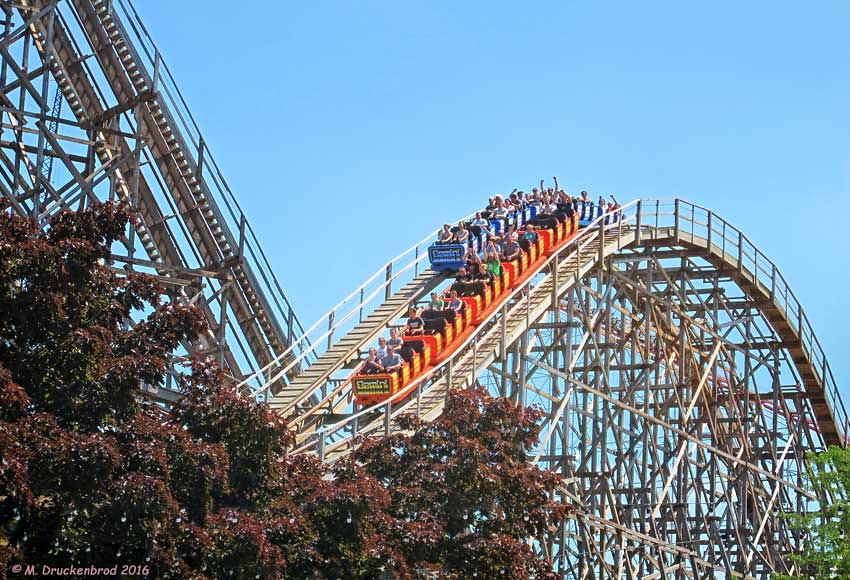 Gemini A Racing Roller Coaster With A Wooden Structure C Flickr