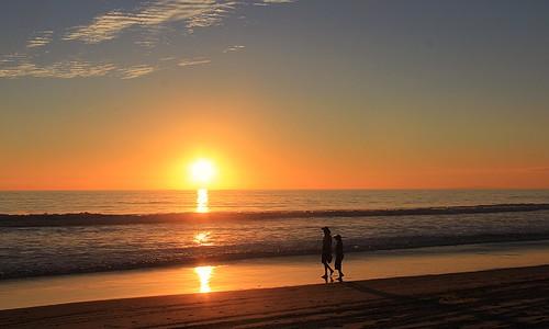 sunset sky naturaleza beach nature clouds landscape fire golden coast silhouettes pacificocean oceanview zumabeach canoneos60d zstincer californiaslandscape californiassunsets