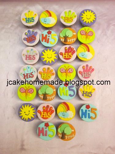 Hi-5 birthday cupcakes