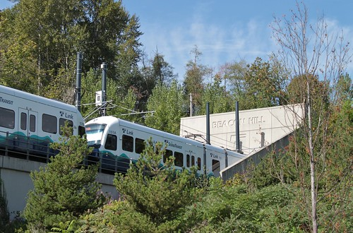 ST Link 151 and 157 entering Beacon Hill Tunnel