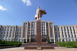 Presidential buidling with Lenin, Tiraspol | by Maxence Peniguet