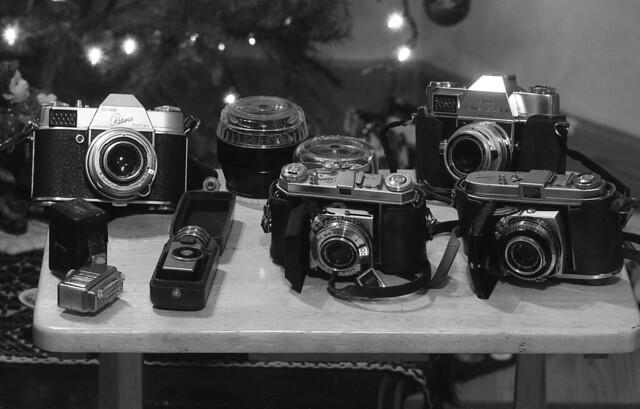 Mi Familia Retina (NikonFM10Dic15027) (Small Group Weekly Challenge: Reto semanal, Hobbies:  Colección de cámaras antigüas y fotografía)