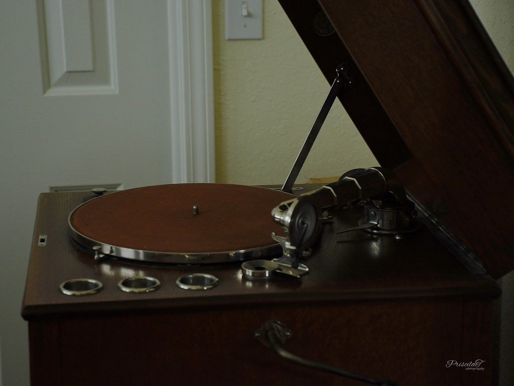The Victrola Record Player 1906