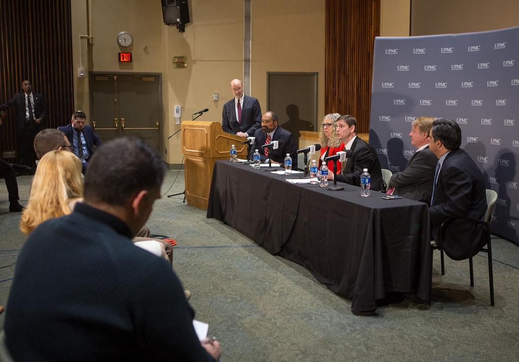 Governor Wolf Joins Pittsburgh Steelers Legend Franco Harr… | Flickr