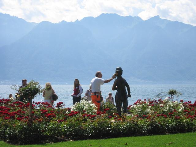 Vevey-Lac Leman/Genfer See-Cleaning Charlie... (Schweiz / Switzerland)