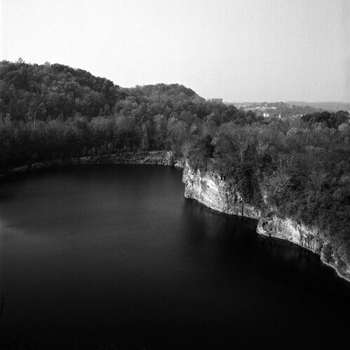 quarry lake fortdickersonpark southknoxville tennessee thesouth fp4party ilfordfp4plus mediumformat 120film bronicasq zenzanon80mm bwfp xtol
