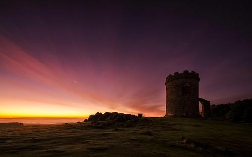 morning moon mist sunrise dawn venus leicestershire planets jupiter bradgatepark cresentmoon celestialbodies dawnsky newtownlinford sigma1020mmf4 nikond7000 oldjohnstower