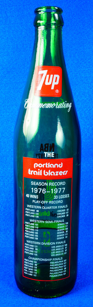 RD10088 Vintage Portland Trailblazer 1976 - 1977 NBA Champions 7 UP Soda Bottle DSC07795