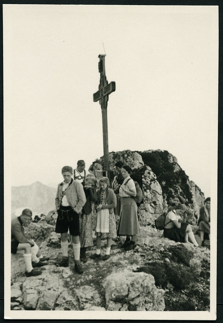 Archiv H858 Auf dem Gipfel, 1930er