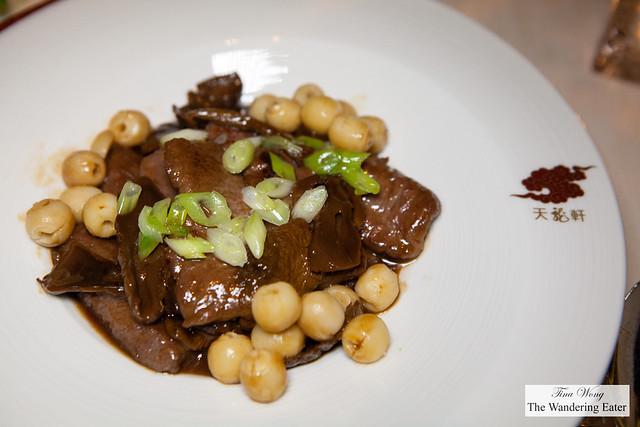 Stewed lamb loin with Matsutake mushroom and lotus seed (松茸蓮子扣羊柳)