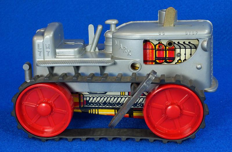RD9481 Vintage Marx Toy Diesel Tractor Wind Up DSC06241