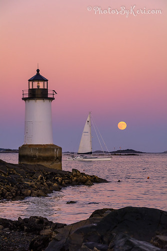 autumn sunset sky moon lighthouse water colors weather sailboat ma nikon fort massachusetts super salem pickering d5200 supermoon