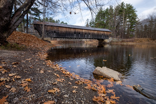 autumn fall maine newengland coveredbridge hemlockbridge