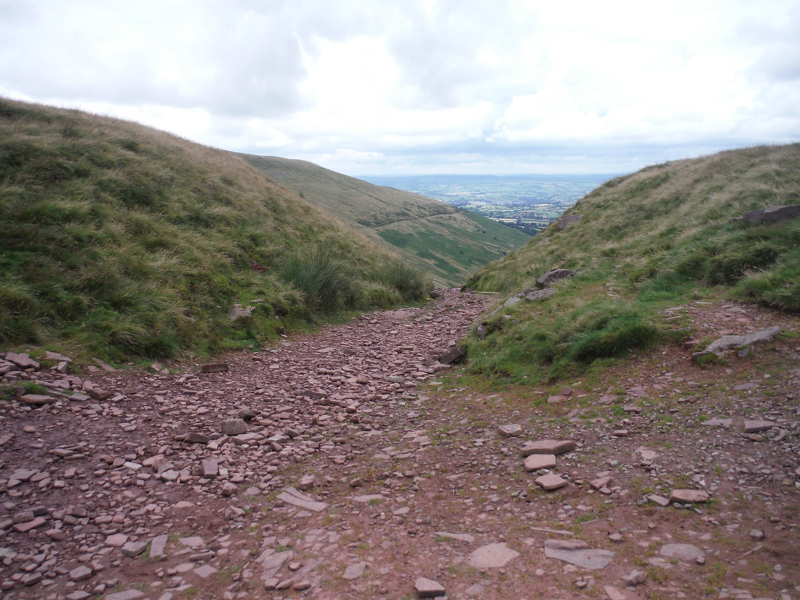 'Old Roman Road' in saddle between Cribyn and Fan y Big SWC Walk 278 Breacon Beacons Horseshoe - Bannau Brycheiniog