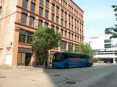 20070515 01 Megabus, 10th and Penn, Pittsburgh