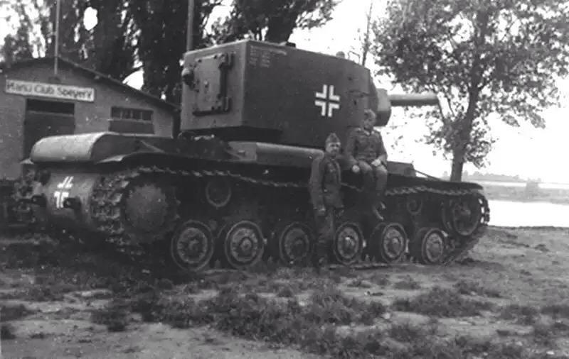 在韦尔马赫特捕获的 Kv - 2